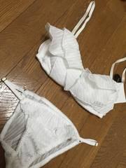 白☆新品&即決.rienda.ボリュームフリルブラset☆6750円