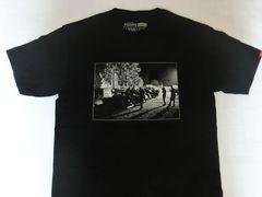 USA購入 バンズ【VANS】モノクロ フォトプリントTシャツUS S黒