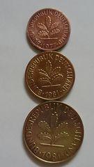 ドイツ硬貨、1ペニヒ、5ペニヒ、10ペニヒ、の3枚。