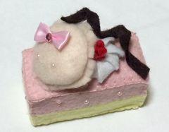 フェルト製 ストロベリーマカロンケーキ
