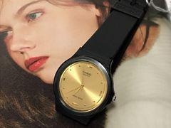 海外希少CASIOカシオレディースおしゃれ腕時計ブラックゴールド