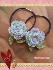 ハンドメイド/手編み♪レース編みお花のヘアゴム2個セット 546
