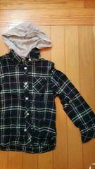 深緑色チェック柄長袖シャツ【130�a】