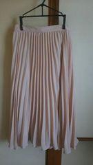 GU*プリーツミモレ丈スカート