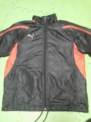 プーマPUMA黒シャシャカジャンパー140赤ライン白マーク