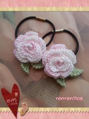 ハンドメイド/手編み♪レース編みお花のヘアゴム2個セット 542