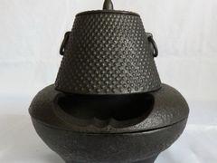 茶釜と風炉のセット