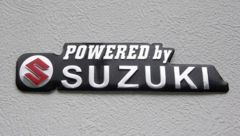 powered by SUZUKI  3Dアルミエンブレム