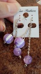 きれいな紫玉のフックピアス