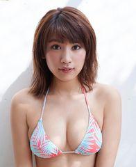 久松郁実写真59カラフルビキニ 巨乳グラビアアイドル