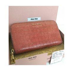 正規 MIUMIU クロコ レザー ラウンドzip 長財布 ピンク 箱付き