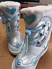 雪遊びに☆かわいい(^^)スノーブーツ♪19�pハート付 ホワイト