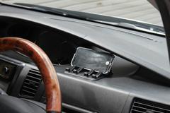 スマートフォン 車載ホルダー 充電 スマホ