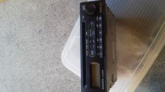 中古品DAIHATSU純正CDレシーバー(86180-B2100)完動品
