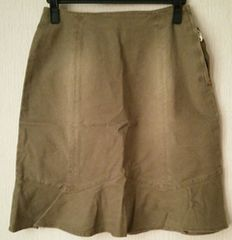 モスグリーン系デニムスカート