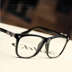 即決!新品シルバークロス付き眼鏡/人気のウェリントン黒