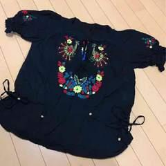 リープリッピン◆フラワー刺繍◆半袖コットンブラウスMブラック