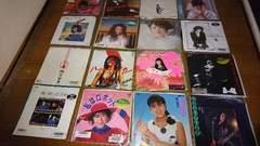 女性歌手 シングルレコード 16枚