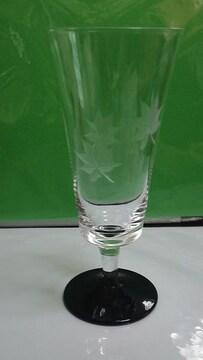 楓柄の切り子のグラス