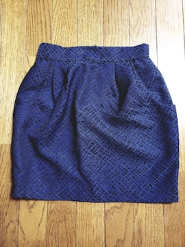 GUタイトスカート未使用ブルー柄