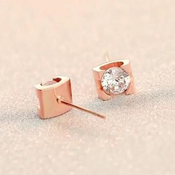 18Kピンクゴールド鍍金CZダイヤ四爪シンプルピアス