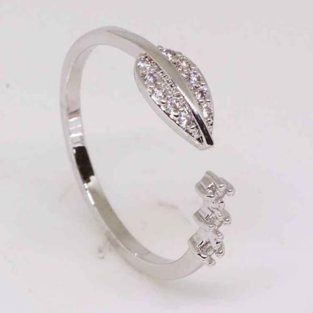 指輪18KRGPプラチナ高級CZフラワーリングyu1033e < 女性アクセサリー/時計の