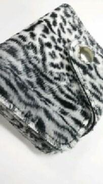 新品◆ヒョウ柄◆財布◆二つ折り短財◆グレー系◆