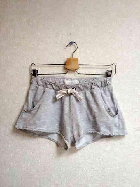 ショートパンツ  < 女性ファッションの