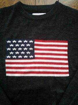 ジー・アール・エヌ grn クールネックセーター 星条旗柄