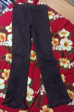 レストローズ☆裾バラ刺繍☆Sサイズ☆茶ジーンズ☆