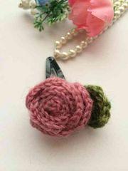 ハンドメイド スリーピン 巻き巻き薔薇 ピンク ウール ガーリー