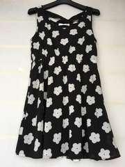 花柄 デイジー白黒 ノースリワンピ M レトロガール N2m