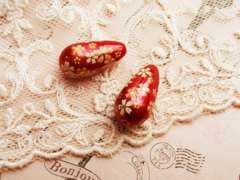 桜の雫ビーズ小2個赤