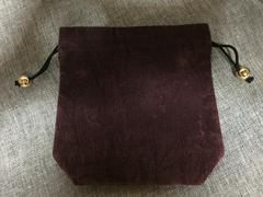 モバオクで買える「kansai jewelry ビロード系厚地 巾着ポーチ チョコレート色」の画像です。価格は50円になります。