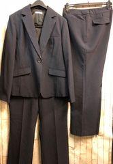新品☆19号3Lお仕事に!2パンツスーツ紺ストライプ洗える☆b573