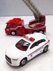 トミカ ハイパーレスキュー はしご車 パトロールカー
