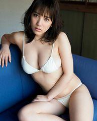 都丸紗也華写真39白ビキニ 巨乳グラビアアイドル
