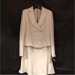 厚手上質◆各種イベントに◆新品◆13号wボタン白スカートスーツ