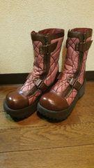 デニムに良く合うピンク&ブラウン厚底ブーツ定価17800円の品