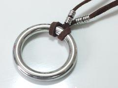 10050/お洒落なリングデザインのネックレス★男女兼用で合わせやすい