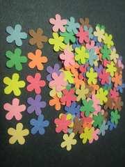 クラフトパンチキュートフラワー(お花)10色100枚ベビーやウェディングのアルバムに
