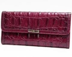 本物 miumiu ミュウミュウ 二つ折り長財布 型押しレザー 紫系