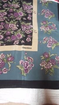 花柄の 素敵なスカーフ 85×87