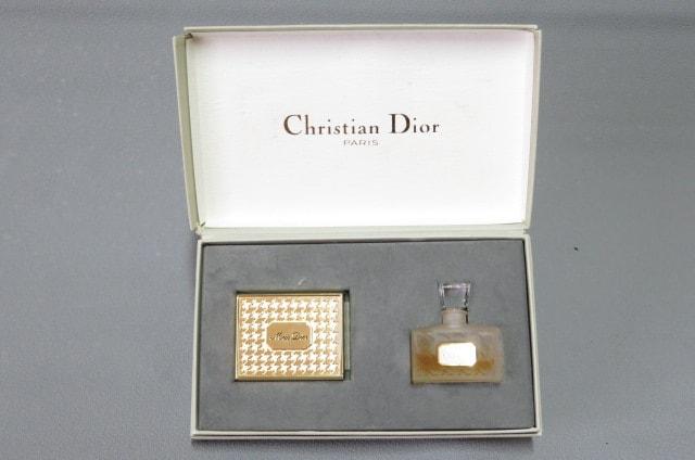 Miss Dior  ミス ディオール  オードトワレ ソリッドパヒューム  < ブランドの