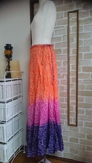 中古 美品 ロングスカート 高身長用スカート丈 < 女性ファッションの