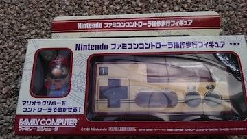 任天堂 ファミコンコントローラー操作歩行フィギュア マリオ アミューズメント景品