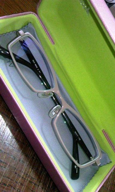 眼鏡グレー四角フレーム新品  < 女性ファッションの