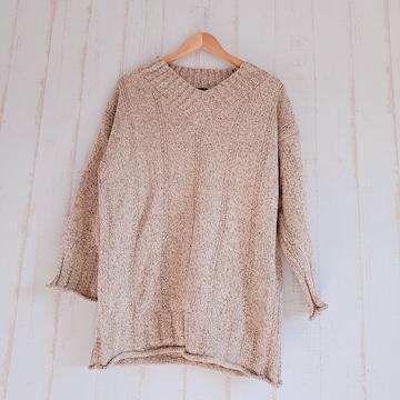 新品*オーバーサイズVネックセーター