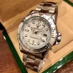 最安値!ロレックス・ヨットマスタータイプ◇クォーツ メタル腕時計・シェル白×シルバー