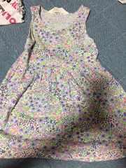 H&M!90センチ花柄ワンピース